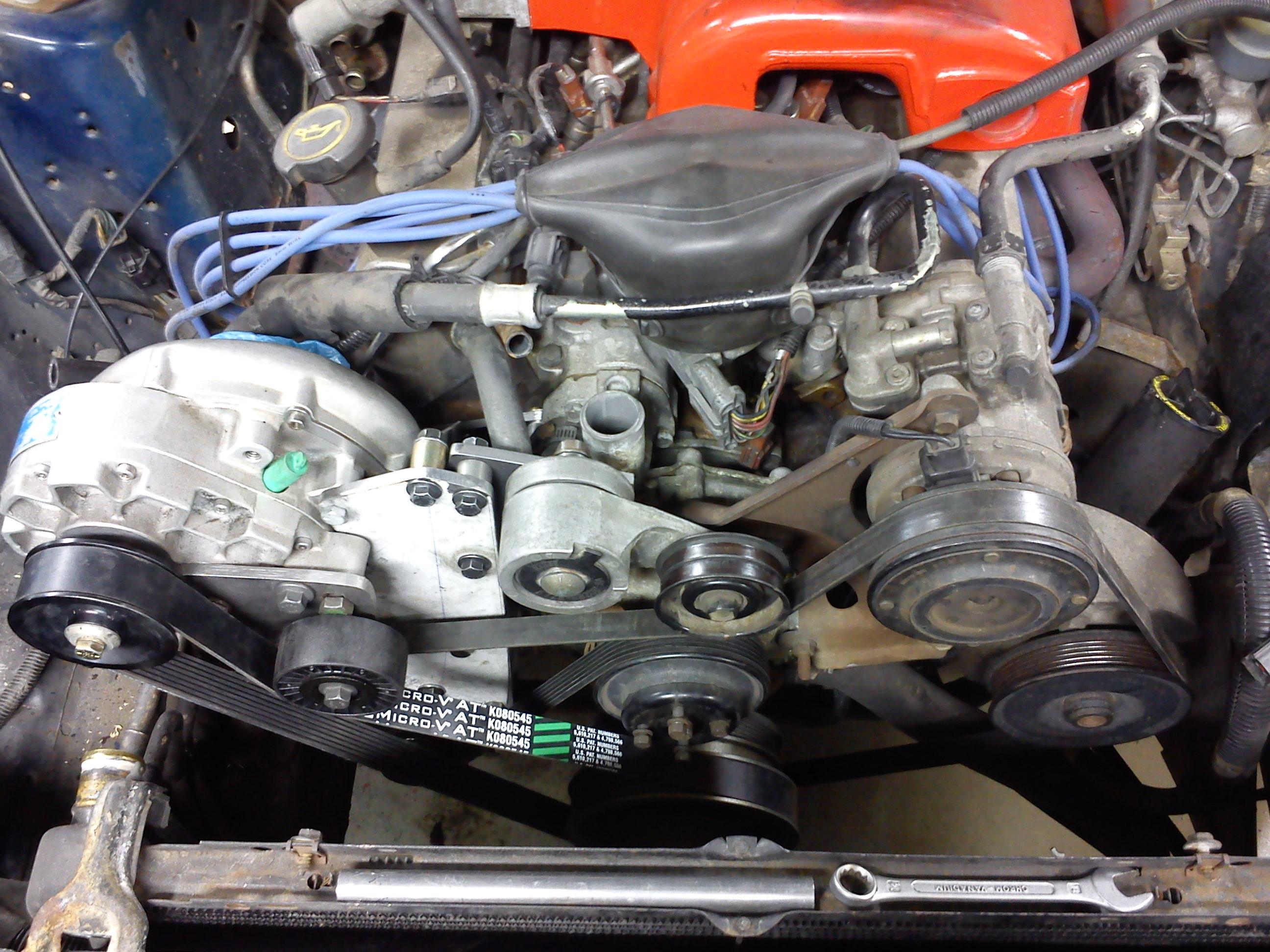 Kompressor monterad på motor