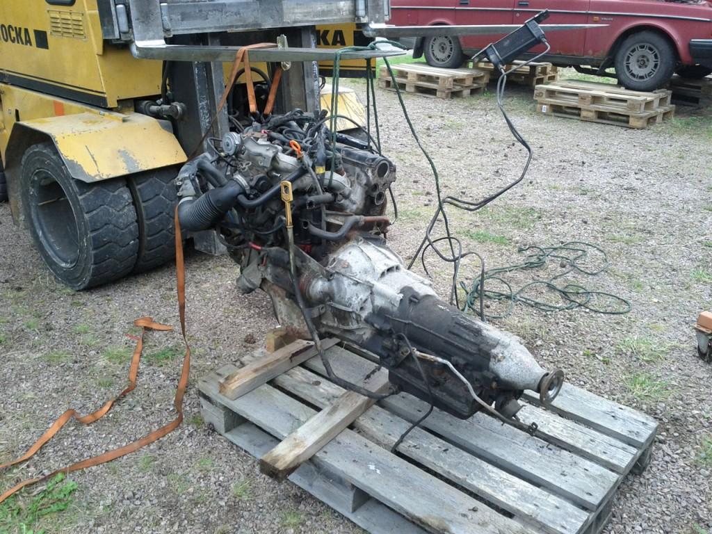 Truck lyfter motor och växellåda